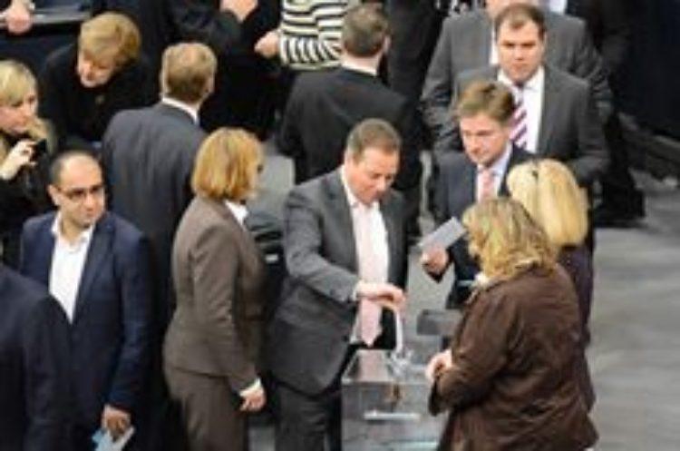 Angela Merkel offiziell Bundeskanzlerin der 18. Wahlperiode