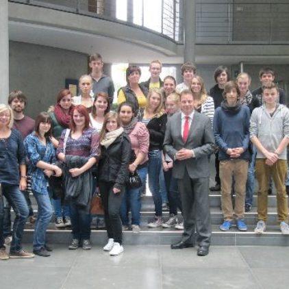 Schulen besuchen den Bundestag