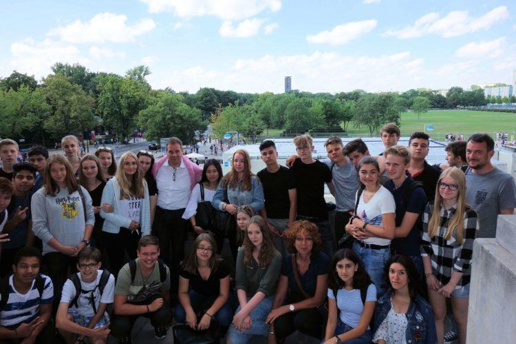 Vom Dach bis in den Keller: Verdener Realschüler zu Besuch in Berlin