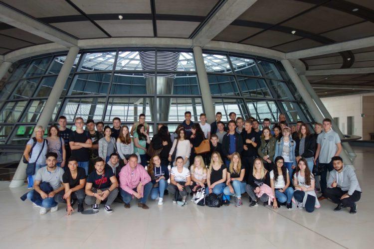 Realschule Achim erkundet den Berliner Reichstag