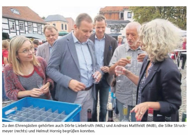 Mattfeldt besucht Achimer Weinfest
