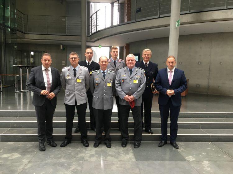 Verdener Kreisverbindungskommando zu Gast in Berlin