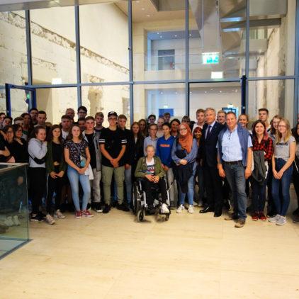 Waldschule Schwanewede mit 70 Schülern zu Besuch  – Bundespräsident a.D. Christian Wulff getroffen