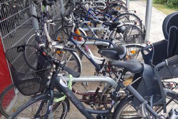 Bund fördert Fahrrad-Abstellanlagen – Bahn vergibt 10 kostenlose Servicestationen