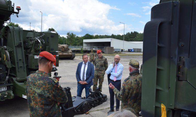 Beschaffungen müssen schneller bei der Bundeswehr ankommen