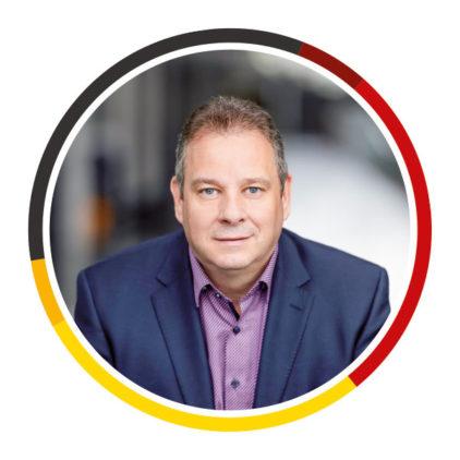 Bundestagsabgeordneter sieht sanierungsbedürftige Ritterhuder Sportstätte als gutes Beispiel für gelungene Förderprojekte des Bundes