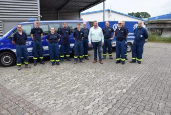 Bundestagsabgeordneter überraschte aus dem Ahrtal zurückkehrende ehrenamtliche THW-Einsatzkräfte aus Osterholz und dankte im Namen aller Bürger