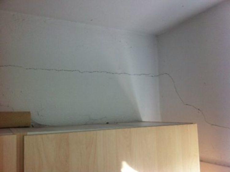 Erdbeben-Schäden im Mauerwerk müssen dringend ausgebessert werden