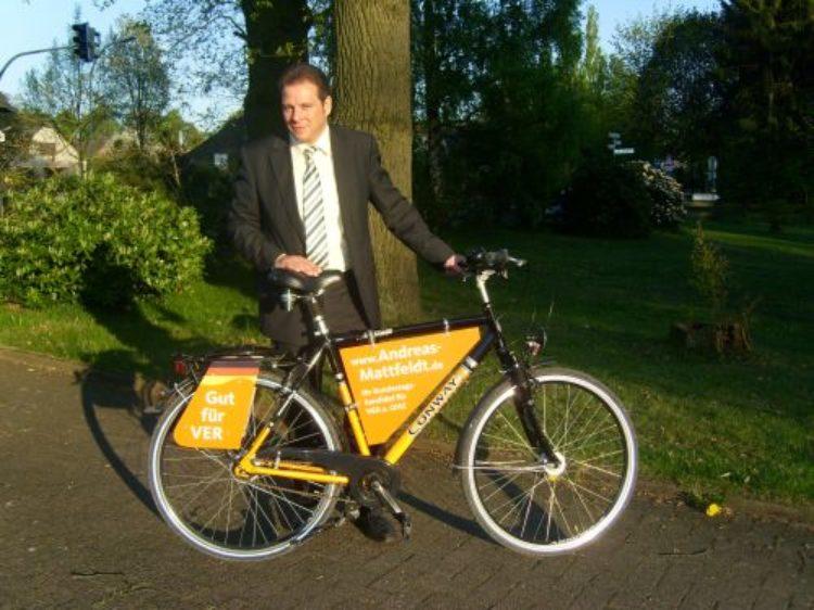 Schwarz-gelbes Fahrrad von Andreas Mattfeldt