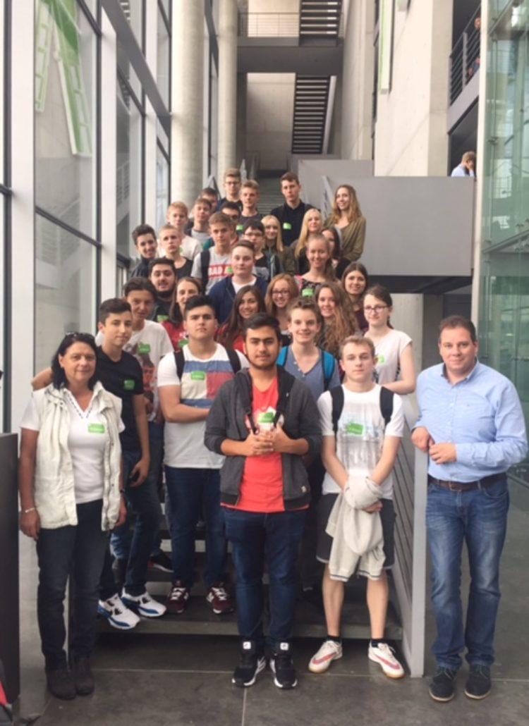 Klasse der Realschule Achim zu Besuch im Deutschen Bundestag