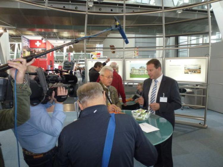 Bürgersprechstunde des Petitionsaussschusses des Deutschen Bundestages mit Andreas Mattfeldt auf der Infa-Messe in Hannover