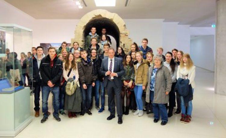 Welche Aufgaben hat ein Bundestagsabgeordneter? – Verdener Realschüler zu Besuch in Berlin