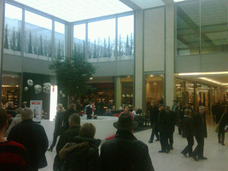 dodenhof eröffnet neue Shopping-Welt
