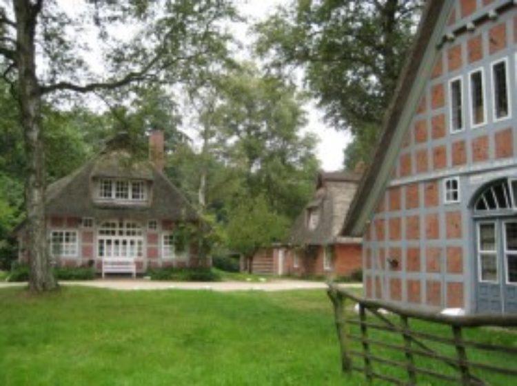 """Dachsanierung beim """"Haus im Schluh"""" in Worpswede gesichert"""