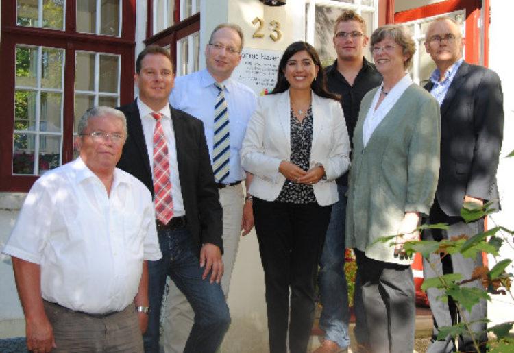 Aygül Özkan besuchte Bürgerstiftung und Geschwisterbücherei