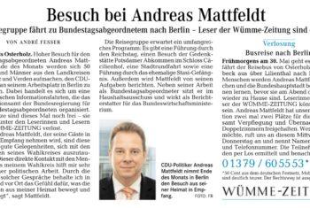 Zeitungsleser fahren mit nach Berlin