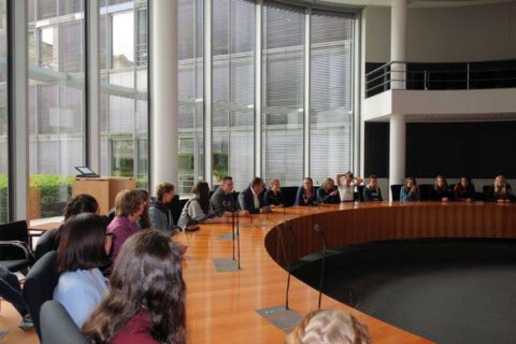 Von der Aller an die Spree: Besuch von Schulklassen des Verdener Domgymnasiums