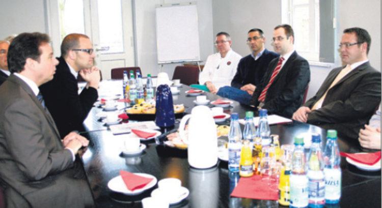 Mattfeldt besucht Aller-Weser-Klinik