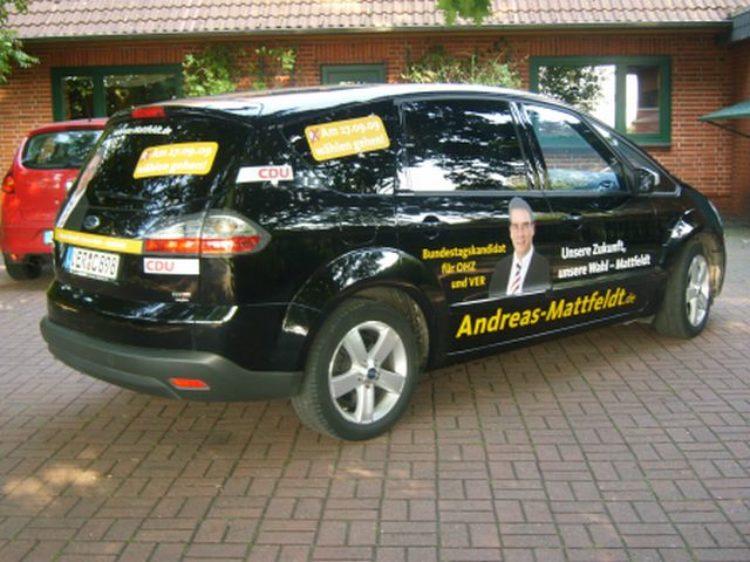 Mein Auto mit Wahlwerbung