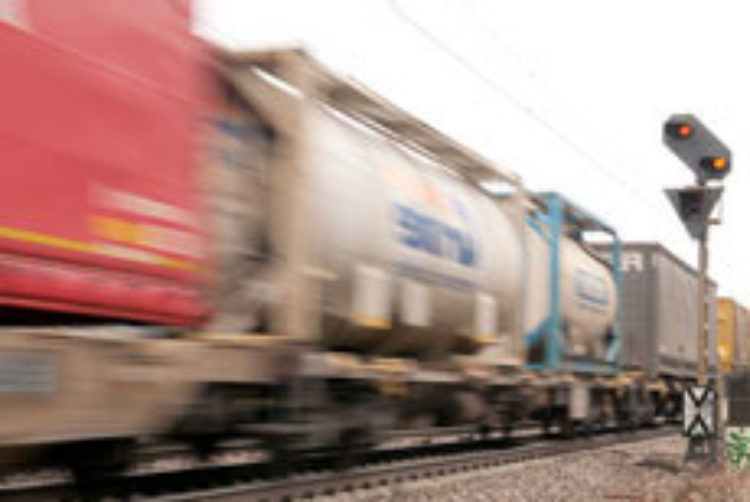 Nachgehakt: Wann kommt der Lärmschutz an der Bahn im Flecken Langwedel?